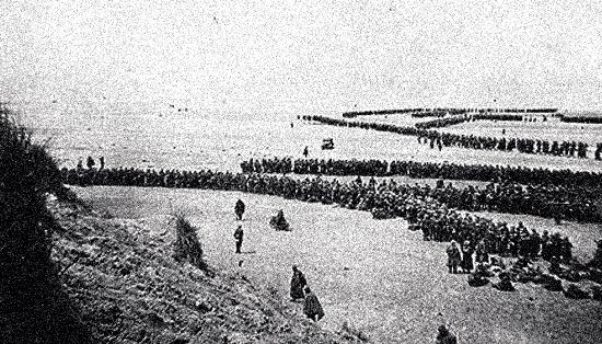 Bataille de Dunkerque | Soldats britanniques en colonnes attendant leur évacuation des plages de Dunkerque | Operation Dynamo | historyweb.fr  La bataille de Dunkerque | Opération Dynamo operation dynamo site d histoire histoire historyweb 2