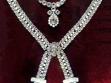 L'affaire du collier de la reine - 3 | Historyweb collier de la reine L'affaire du collier de la reine 3/3 affaire collier histoire historyweb 8 356x267