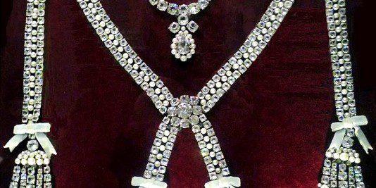 L'affaire du collier de la reine - 3 | Historyweb collier de la reine L'affaire du collier de la reine 3/3 affaire collier histoire historyweb 8 534x267