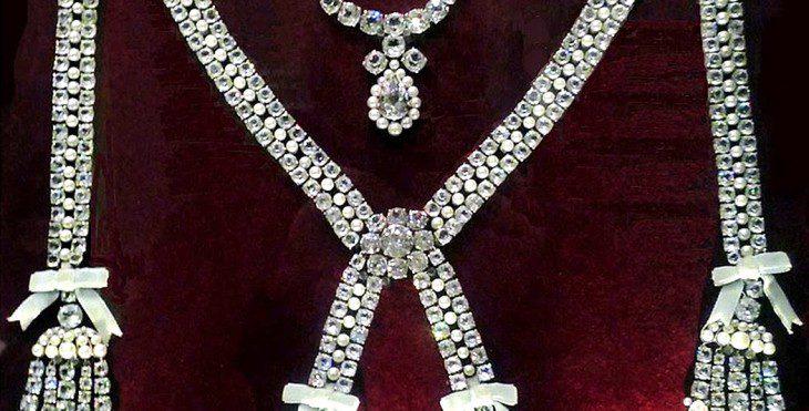 L'affaire du collier de la reine - 3 | Historyweb collier de la reine L'affaire du collier de la reine 3/3 affaire collier histoire historyweb 8 730x371