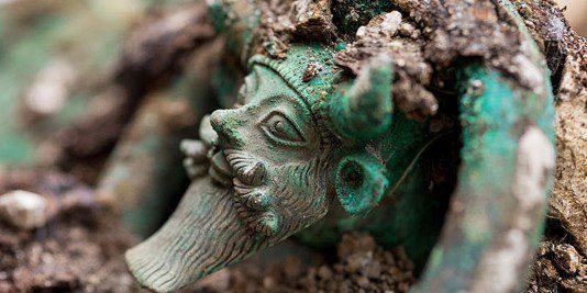 Tombe princière celte | Historyweb tombe princière celte Une tombe princière celte exceptionnelle découverte près de Troyes actualit   histoire historyweb 1 534x267