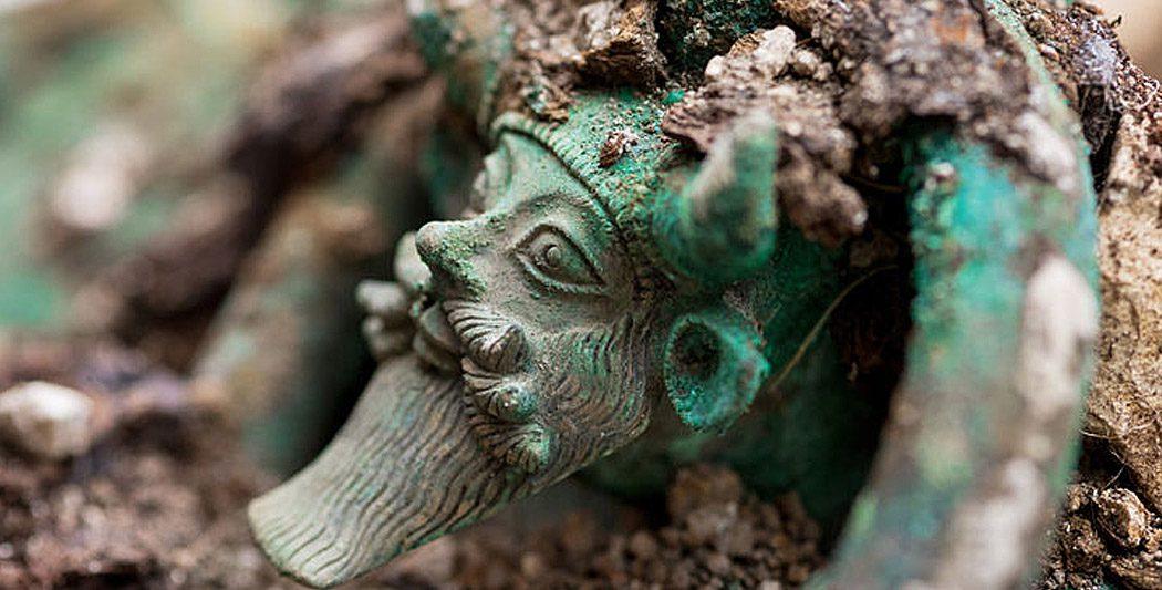 Tombe princière celte | Historyweb tombe princière celte Une tombe princière celte exceptionnelle découverte près de Troyes actualit   histoire historyweb 1