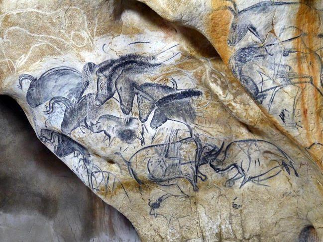 La grotte Chauvet | Panneau des chevaux | historyweb la grotte chauvet La grotte Chauvet vue par ses copistes le panneau des chevaux de la caverne du pont darc c sycpa 72dpi