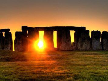 Enigme de Stonehenge | Le site de l'Histoire | Historyweb stonehenge L'énigme de Stonehenge enfin résolue ? enigme stonehenge site histoire historyweb 1 356x267