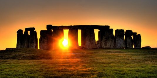 Enigme de Stonehenge | Le site de l'Histoire | Historyweb stonehenge L'énigme de Stonehenge enfin résolue ? enigme stonehenge site histoire historyweb 1 534x267