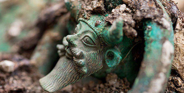 Tombe princière celte | Historyweb tombe princière celte Une tombe princière celte exceptionnelle découverte près de Troyes actualit   histoire historyweb 1 730x371