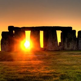 Enigme de Stonehenge | Le site de l'Histoire | Historyweb  L'énigme de Stonehenge enfin résolue ? enigme stonehenge site histoire historyweb 1 267x267